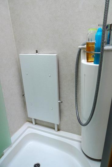 le radiateur dans la salle de bain dispose de purges il peut servir de bien quuau dessus de celui ci existe un tendoir linge with radiateurs salle de bains - Radiateur Salle De Bain Chauffage Central