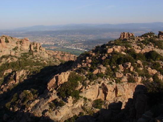 La vue panoramique du sommet du rocher