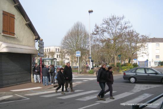 Marcheurs à Beaumont sur Oise