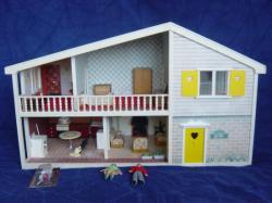 Caroline's home sans fenêtres (devant)