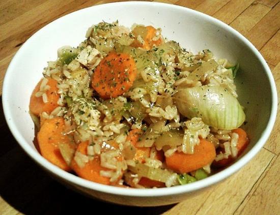 Riz complet et légumes à l'orientale