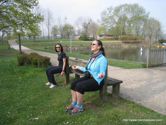 Annick et Sandrine font La Chaise