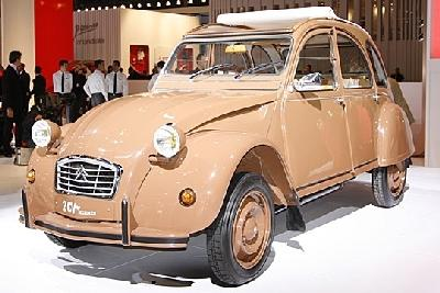 LES AUTOS DE NOS PARENTS Citroen-2cv-400x265