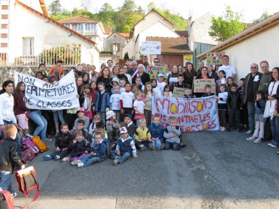 Crouttes sur Marne : Blocus de l'école