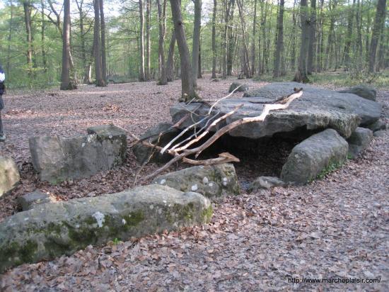 La Pierre Turquaise en forêt de Carnelle