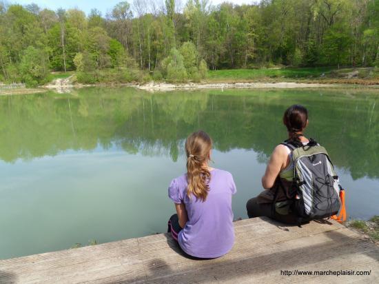 Laura et Annick devant l'Etang Bleu