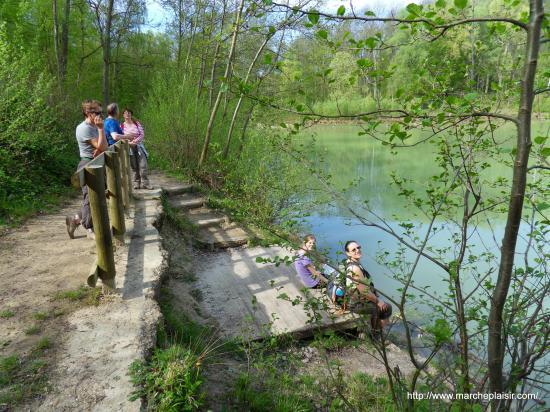 Petite pause au bord de l'Etang Bleu en forêt de Carnelle