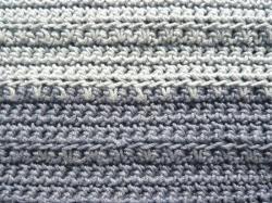 détail point-partie gris foncé-gris clair