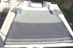 pull-gris-2-tons+blanc-à-plat