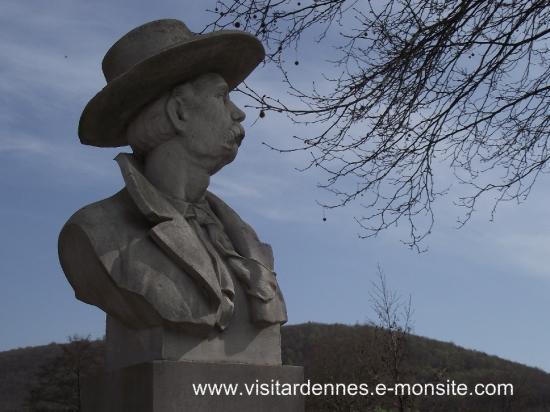 Buste de Jean-Baptiste Clément à Nouzonville