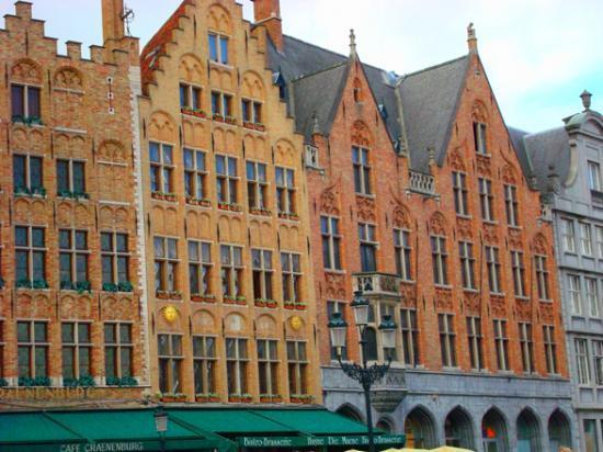 Bruges @hellomisterd.com