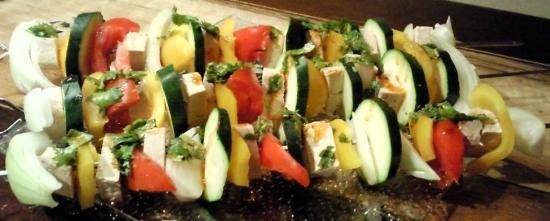 Brochettes de légumes au tofu