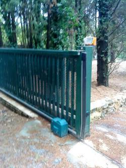 Portail electrique et porte de garage - Porte de garage electrique ...