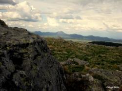 Le Puy de Dôme au loin