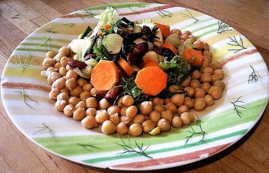 Salade de pois chiches et petits légumes