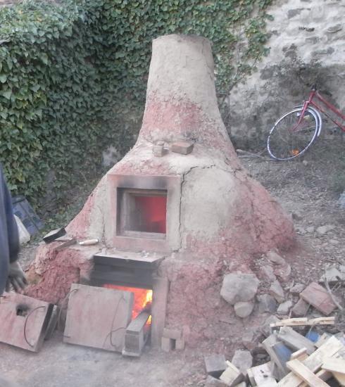 Four à poterie à bois, pour la fusion alchimique