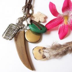 Collier pendentifs bois et métal 7,80 €