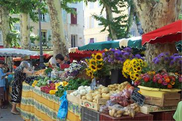 Bon St Paddy's Market-in-provence