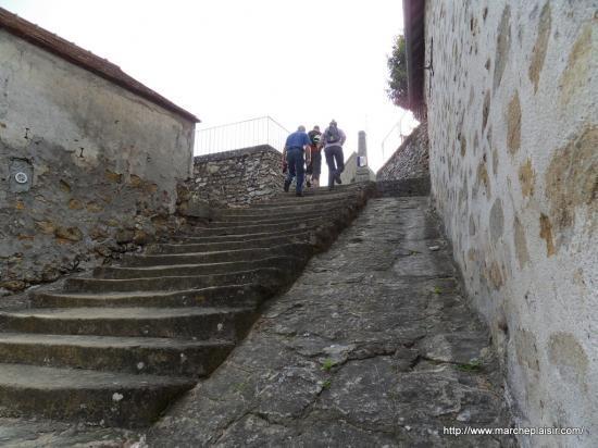 Escalier à Courdimanche Village