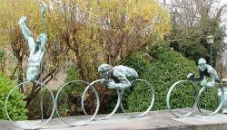 Composition en bronze de Francine Toulemonde