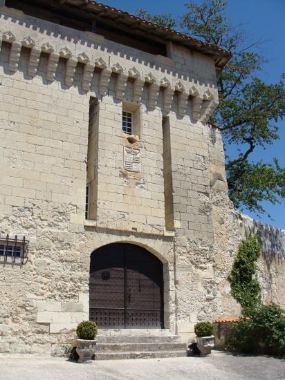 Donjon du château d'Aubeterre-sur-Dronne