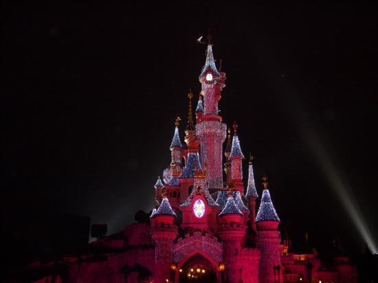 chateau de disneyland paris