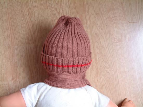 Dos du bonnet écharpe