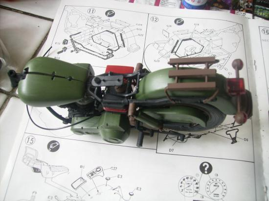 maquette en constrution harleyd style militaire PICT1602