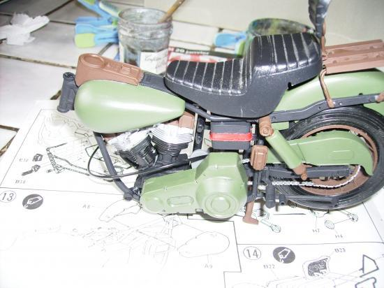 maquette en constrution harleyd style militaire PICT1610