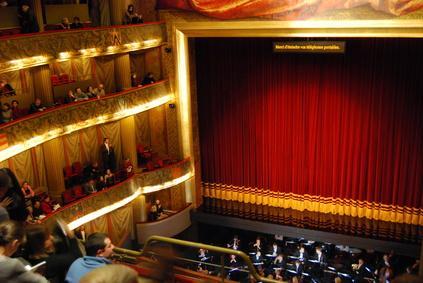 Rejoignez le réseau social des passionnés de théâtre : meetinggame.fr