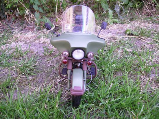 maquette en constrution harleyd style militaire PICT1648