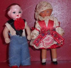 Petites poupées pour les maisons miniatures