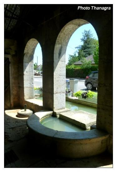 la fontaine lavoir d'Orchamps.jpeg
