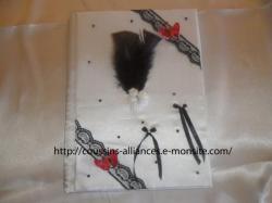 livre d'or blanc noir papillons rouge