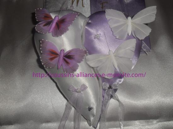 coussin séparé en 2 blanc parme papillons
