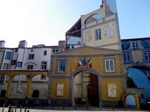 Clermont Ferrand - derrière la Cathédrale