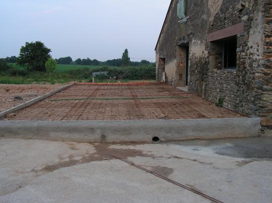 Terrasse terrassement acc s for Isolation terrasse carrelee