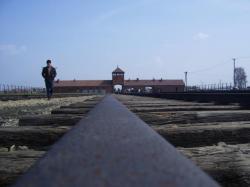 la célèbre entrée de Birkenau