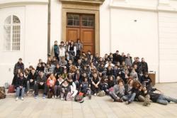 Le groupe devant le château présidentiel tchèque
