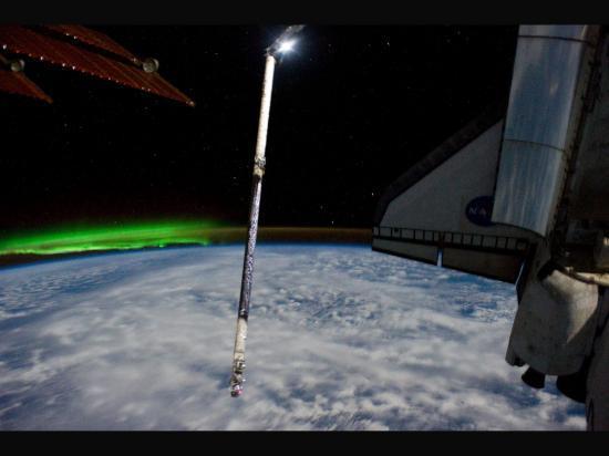 Atlantis arrimée à la Station Spatiale Internationale (ISS)