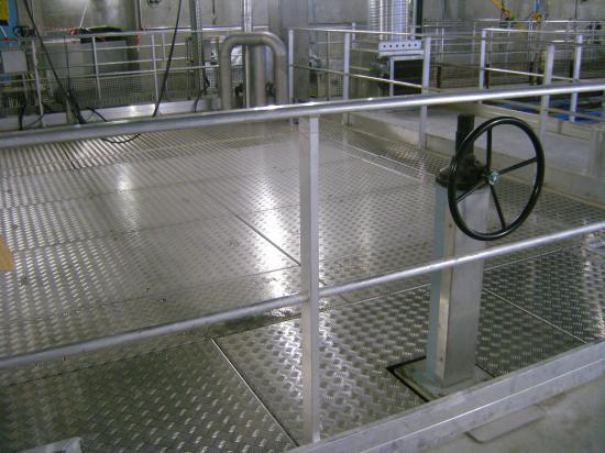 tôle striée aluminium