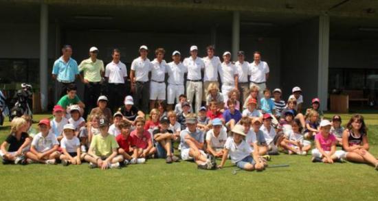 Les enfants qui s'entrainent au golf de Terre Blanche ont récemment accueilli Pascal Grizot