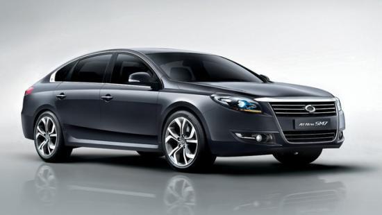 Renault lance une limousine la SM7