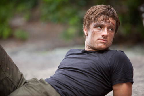 Discussions THG ~ films, webséries, etc... - Page 3 JoshHutchersonasPeeta