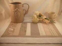 set de table beige