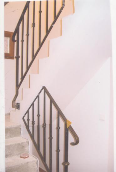 rampes d 39 escalier fer forg sur mesure. Black Bedroom Furniture Sets. Home Design Ideas