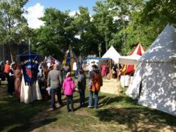 Le Camp de L'épée et l'archet est le camp de Thibault IV de Champagne à Provins