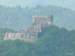 Vue sur le Château de Murol au loin