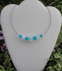 Tour de cou perles craquelées cristal et aquamarine