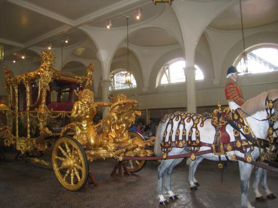 Coloriage Cheval Carrosse.The Royal Mews